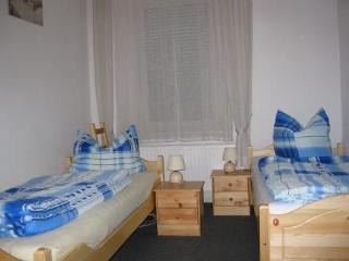 Vacation Apartment in Banteln - quiet, comfortable (# 2255) - Bad Salzdetfurth vacation rentals