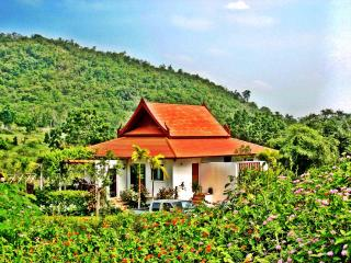 Mountain Breeze Villa - Near the beach - Pran Buri vacation rentals