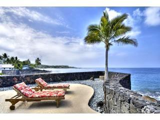 OCEANFRONT HOME  3BEDROOM  SPA  AC AT STATE BEACH - Kailua-Kona vacation rentals