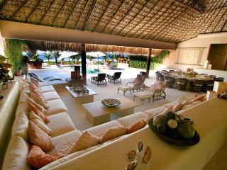 Luxury Beachfront Villa - Chef, Maid,Car & Driver - Puerto Escondido vacation rentals