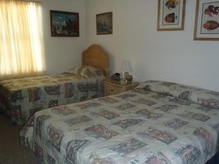 Sleeps 12, Nice value and space, view of the ocean - Ocean City Area vacation rentals