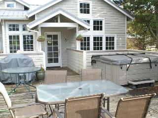 COURTYARD - Upper ~ Come Enjoy the hot tub in the heart of MANZANITA, Oregon - Manzanita vacation rentals