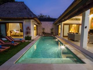 Villa Kamboja Senior, 3 bdr. POOL FENCE YES OR NO - Legian vacation rentals