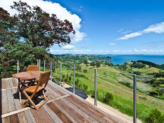 Luxury Holiday House, Onetangi, Waiheke Island - Waiheke Island vacation rentals