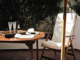 ...ALFRESCO....near Trastevere - Rome vacation rentals