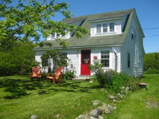 Sea Star Cottage Walk to Carters Beach Nova Scotia - Lockeport vacation rentals