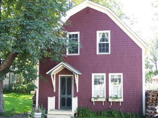 Captain McLean's Carriage House, Shelburne, NS - Barrington vacation rentals