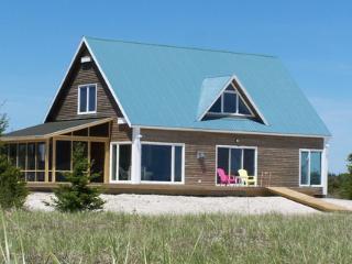 Sanderling: Nova Scotia Beach House at its best - Louis Head vacation rentals