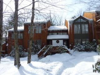 3BR, Wifi, located inside the Big Boulder Complex - Lake Harmony vacation rentals
