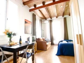 Barceloneta Beach Studio F - Catalonia vacation rentals