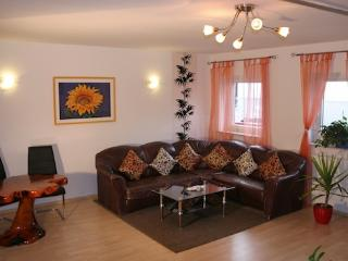 Vacation Apartment in Nuremberg - 732 sqft, family-friendly, central, essy to Fairgrounds- next to subway… - Nuremberg vacation rentals