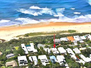 BEACH HOUSE NOOSA - Luxury Holidays - Noosa vacation rentals