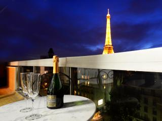 Magical ! 2 Bed With Stunning Eiffel Tower View - Paris vacation rentals