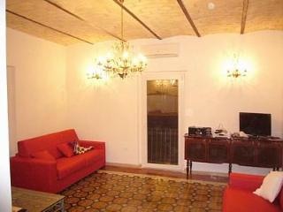 Abruzzo (Bomba) Country House, lake/mountain views - Bomba vacation rentals