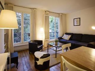 Heart Of Montmartre / Garden View - Paris vacation rentals
