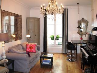 Romantique Montmartre- Luxury Studio Hideaway - Paris vacation rentals