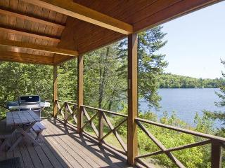 Beautiful Waterfront Log Cabin - White Mountains - Plymouth vacation rentals