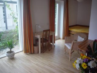 Vacation Apartment in Kiel - 248 sqft, central, comfortable, ecological (# 2295) - Ostseebad Damp vacation rentals