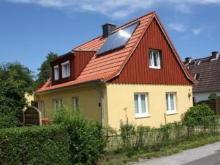 Vacation Apartment in Kiel - 291 sqft, central, comfortable, ecological (# 2296) - Schleswig-Holstein vacation rentals