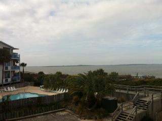 Flipper Watch, Awesome views Great Price on Tybee - Tybee Island vacation rentals