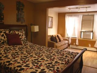 10 Mins to NYC, Walk to PATH train-Sleeps 6 - Jersey City vacation rentals