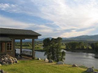 Point of View overlooking the Yellowstone River - Pray vacation rentals