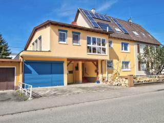 Vacation Apartment in Herbolzheim - 517 sqft, generous features, relaxing, cosily furnished (# 2307) - Vogtsburg im Kaiserstuhl vacation rentals