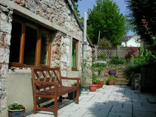 Holiday Cottage - Swiss Cottage, Tenby - Tenby vacation rentals