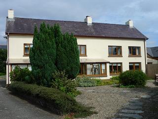 Pet Friendly Holiday Cottage - Pelcomb Cross Farmhouse, Pelcomb Cross - Llangwm vacation rentals