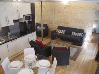 CENTRAL = Montorgueil : 5 Sleeps, 2 Bathrooms ! - Paris vacation rentals