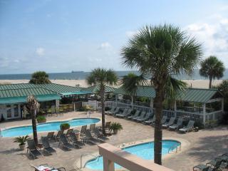 3 BR Condo, 3 Pools, Hot Tub, Oceanfront Complex - Georgia Coast vacation rentals