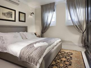 Casa Vacanza Luxury Suite - In the Heart of TLV - Tel Aviv vacation rentals
