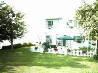 Sunset Shores on Lake Erie and near Cleveland Ohio - Avon Lake vacation rentals