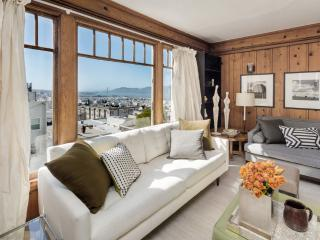 Golden Gate Bridge Views -Beautifully Decorated - San Francisco vacation rentals