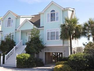 Oceanfront, 6 Bedrm, Pool & Spa, Walk to Shop/Dine - Isle of Palms vacation rentals
