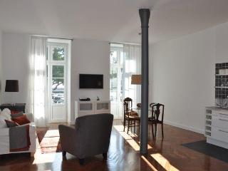 Historic Center / River / Chiado (Free Wifi) - Lisbon vacation rentals