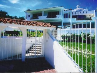 huatulco,mx.-- 4 suite ocean view villa with staff - Huatulco vacation rentals