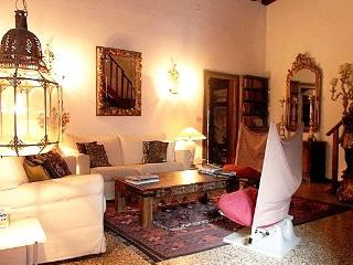 Elegant, atmospheric, large 12th century apartment - Venice vacation rentals