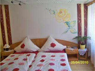 Vacation Apartment in Weinboehla - 323 sqft, quiet, pool, disabled-friendly (# 2321) - Weinboehla vacation rentals
