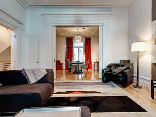 Magnificent downtown Victorian appartement - Montreal vacation rentals