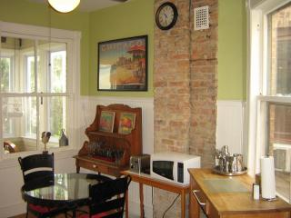 Vintage historic 3 bedroom Chicago/Andersonville - Chicago vacation rentals