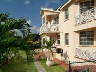 Reputable 2 Bedroom Apartment Prospect St. James - Prospect vacation rentals