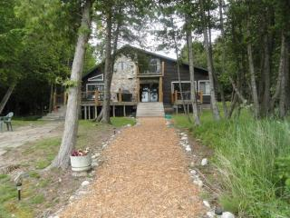 Beautiful 5 Bedroom 3 bath log home on Lake Huron - Upper Peninsula Michigan vacation rentals