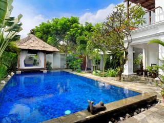 Family Pool Villa with Pool Fence - Seminyak beach - Seminyak vacation rentals