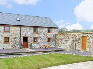 STABAL-Y-GWEDD, family friendly, country holiday cottage, with a garden in Abergele, Ref 10261 - Conwy County vacation rentals