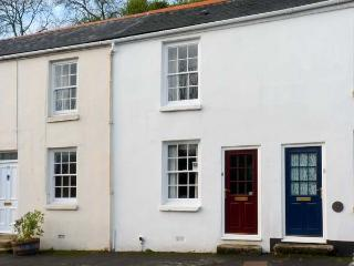 PRIMROSE COTTAGE, family friendly, character holiday cottage, with a garden in Tavistock, Ref 11584 - Gunnislake vacation rentals