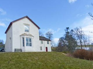 RIECHIP, pet friendly, character holiday cottage, with a garden in Dunkeld, Ref 10725 - Perth and Kinross vacation rentals