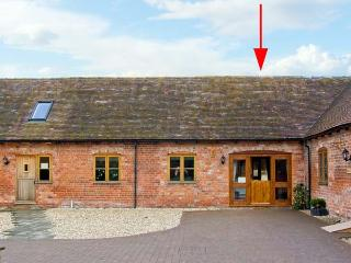 THE TURNIP HOUSE, pet friendly, luxury holiday cottage, with a garden in Westhope, Ref 12657 - Shropshire vacation rentals