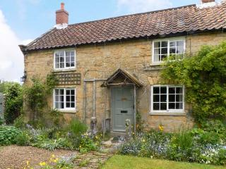CORNER COTTAGE, pet friendly, character holiday cottage, with a garden in Cropton, Ref 12165 - Pickering vacation rentals