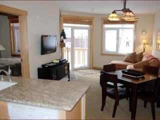 SUNSTONE LODGE Luxury Slopeside 2 bedroom 2 Bath - Mammoth Lakes vacation rentals